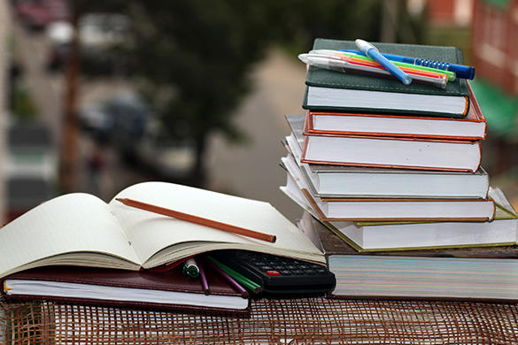 Printed Textbooks vs. E-Books: Students Learn More with Print